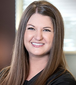 Headshot of dental assistnat Kelsi