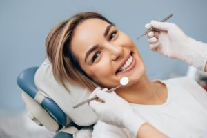 woman visiting dentist in Lincoln